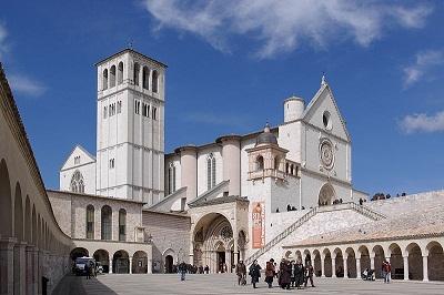 Assisi Szent Ferenc Bazilika, kép: www.wikipedia.hu