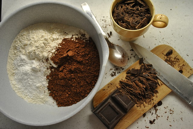 Sokszínű csokis süti