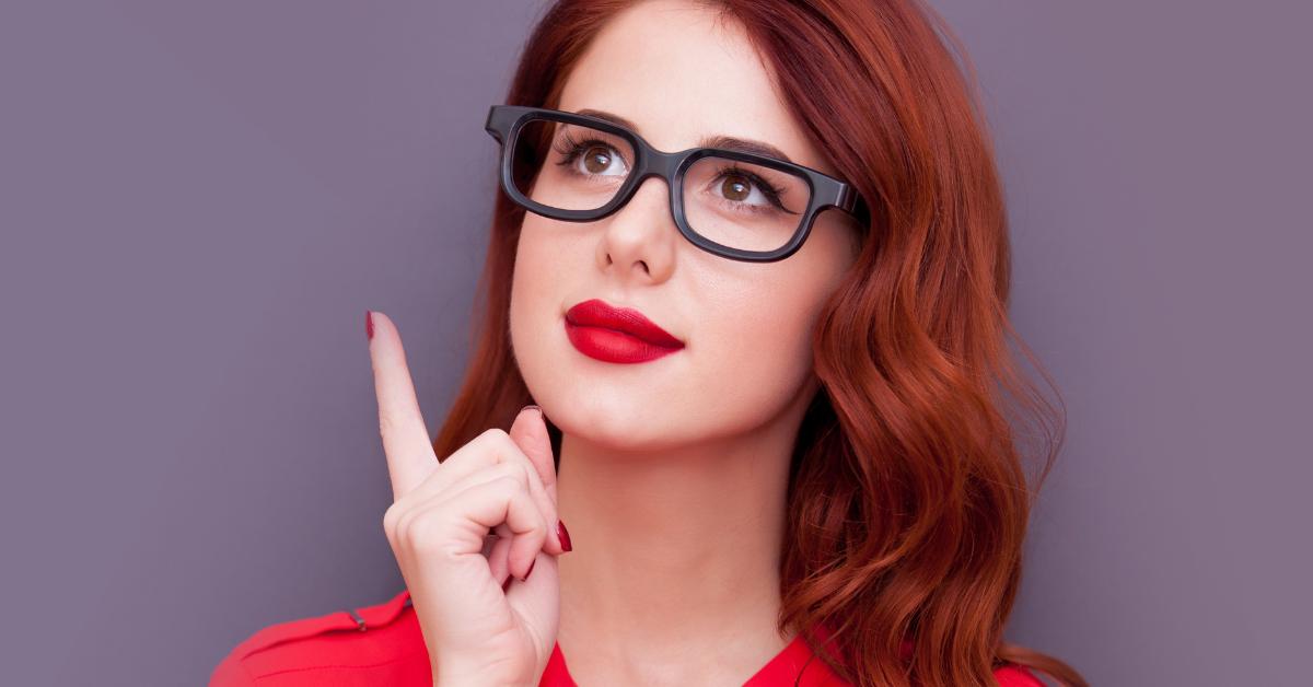 A szemüveg öltöztet! Viseld ékszerként! - Okos és szexi külső