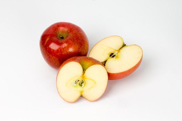 Pikáns alma-póréhagyma saláta