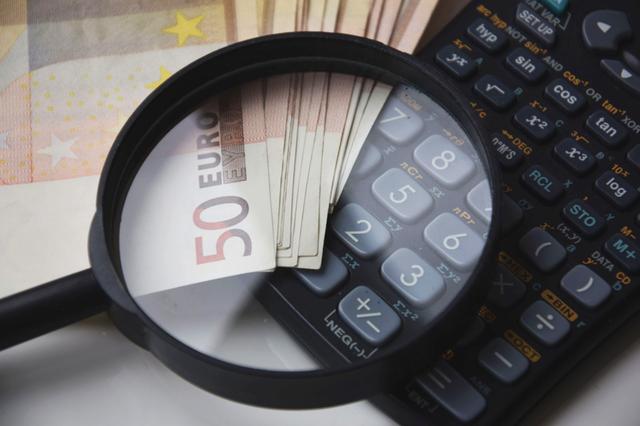 8 mód, hogy áttörd a pénzügyi üvegplafont!