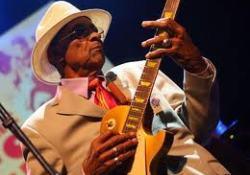 Hubert Sumlin, a fekete bluesgitárosok legendája itt hagyott bennünket
