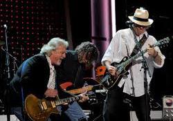 Neil Young és a Crazy Horse amerikai folk klasszikusokat dolgozott fel
