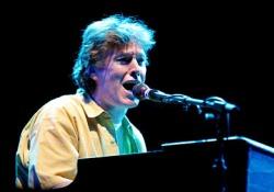 Steve Winwood a 64. szülinapját turnéval ünnepli