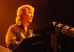 A Deep Purple billentyűse az A38 Hajón muzsikál
