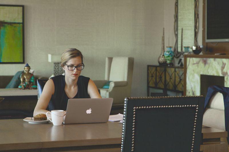 Hogyan osszuk be az időnket, ha otthonról dolgozunk?