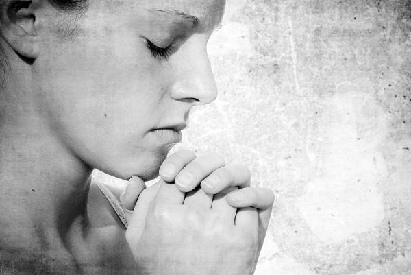 Az ima kéztartása és annak jelentése