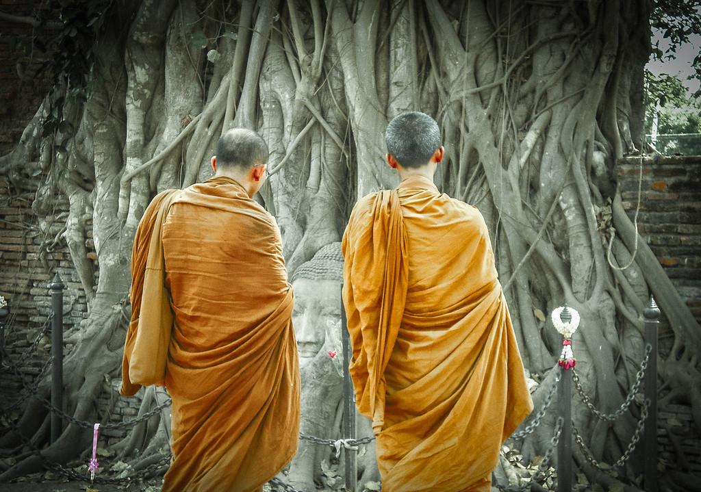 Thaiföld, a mosoly országa: kapcsolatok