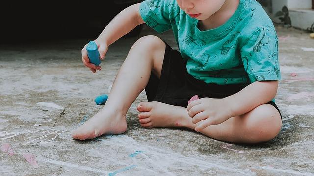 Hónapokig otthon a gyerek - a szorongás és bizonytalanság oldása