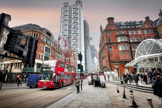 Költözködés és ügynöktipológia Londonban a karantén alatt