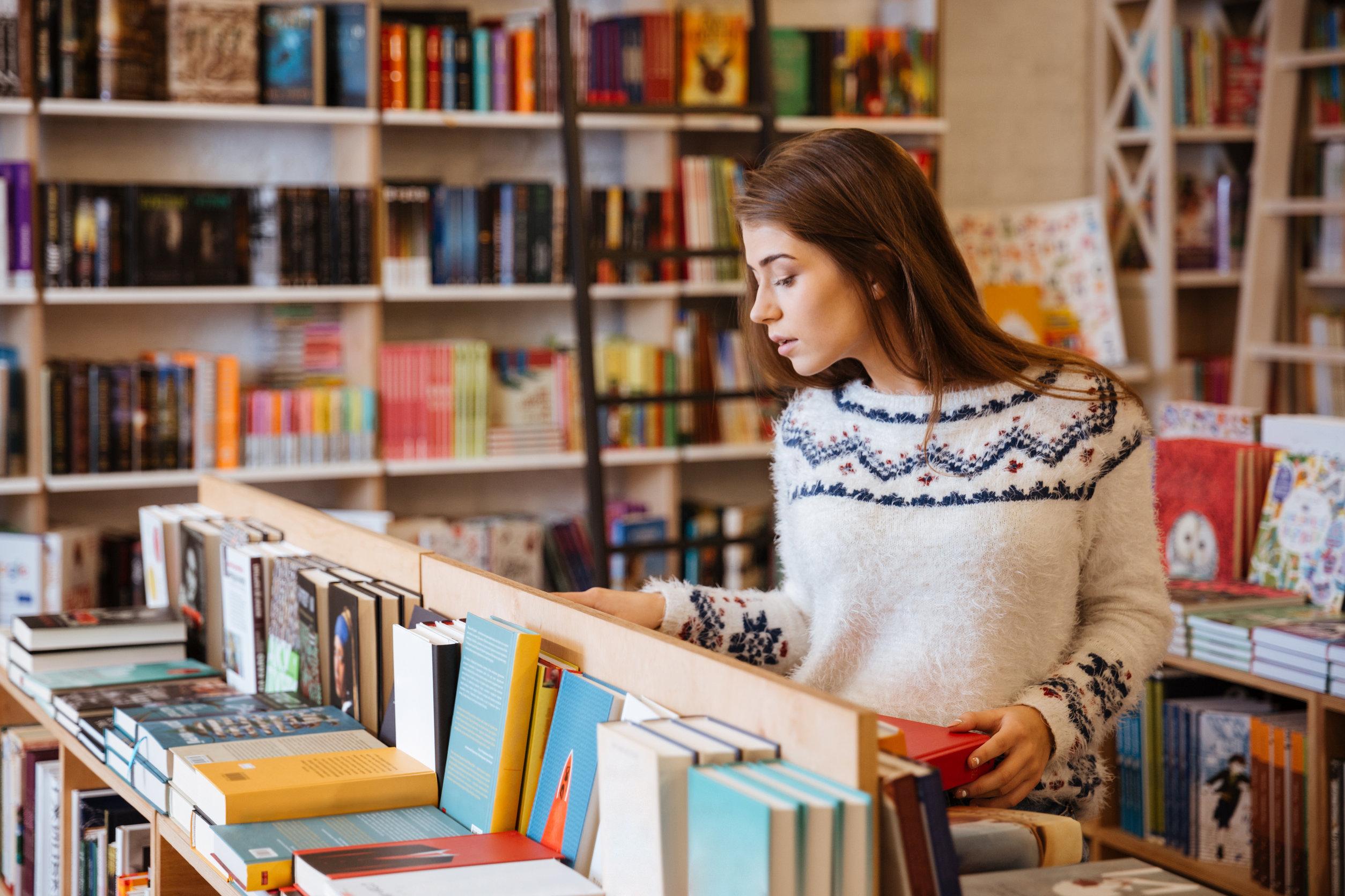 Könyvek, amik minden könyvespolcra kötelezőek