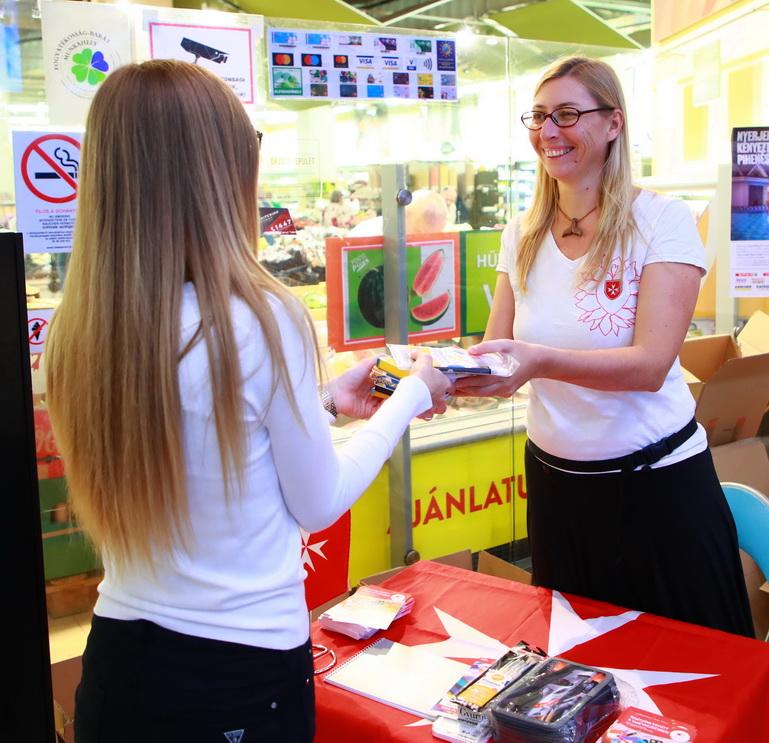 1500 gyermeknek segít a Magyar Máltai Szeretetszolgálat és a SPAR tanszergyűjtése